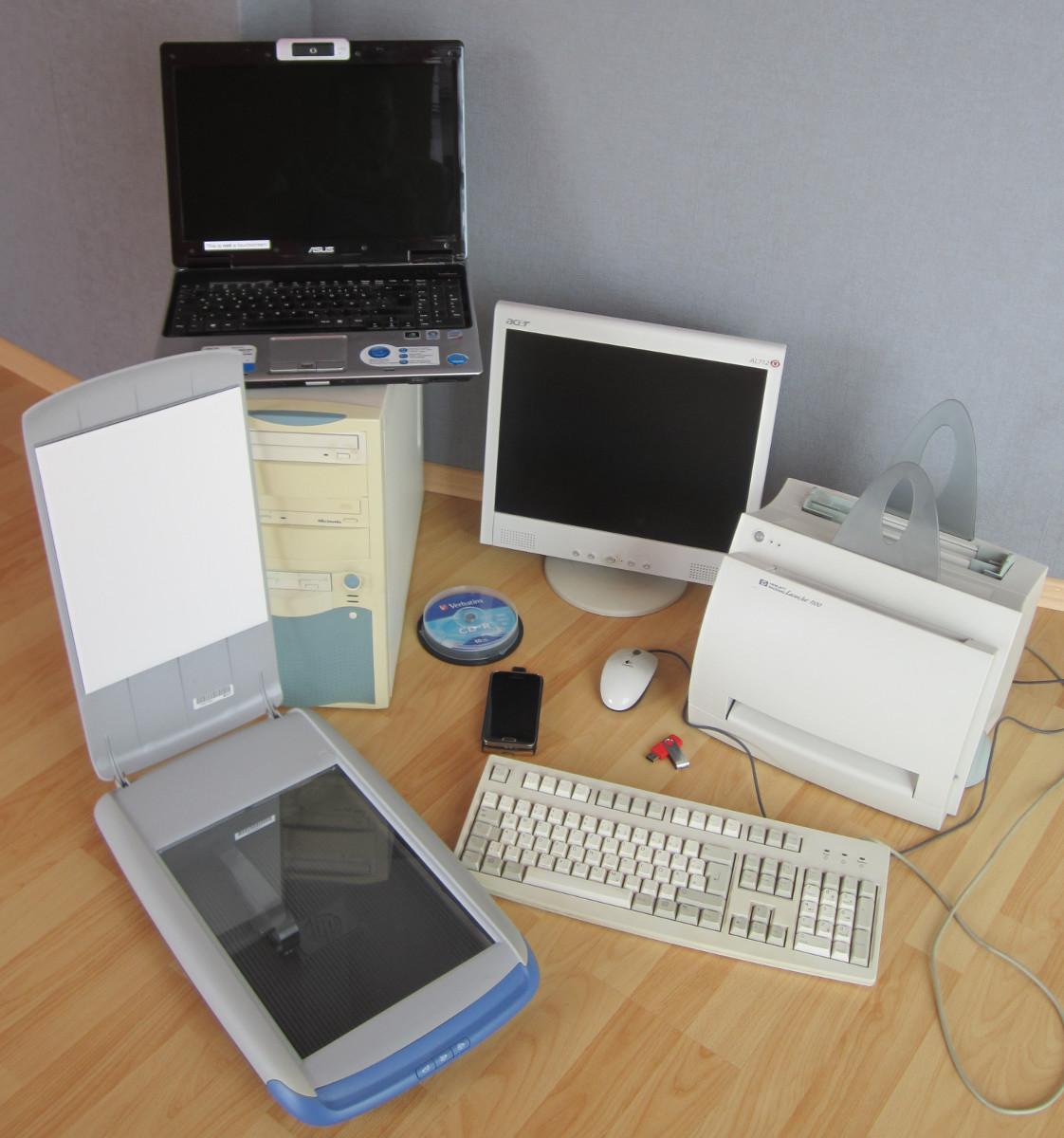 Verschiedene Geräte von Computersystemen