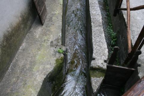 Kanäle an alter Papiermühle